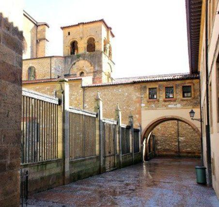 Travesía De Santa Barbara (Oviedo)