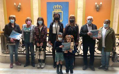 Entrega de premios a los Centros Sociales de Oviedo participantes en el Concurso de Decoraciones Navideñas Recicladas